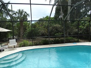 10 BLOCKS to BEACH, PRIVATE HOME, CLEAN & UPDATED with POOL