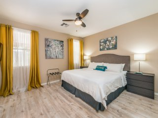 Chic Single Story House close to the Strip & Airport
