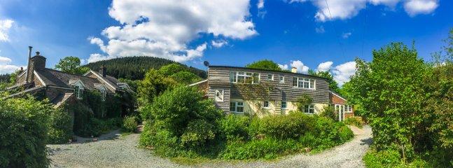 Beautiful Barn, Wanws, Goat Cottage, Indoor heated pool, 22 acres inc gardens & bluebell wood