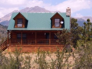 Perfectly located Colorado Mountain Log Home Near Skiing, Rafting, Everything!