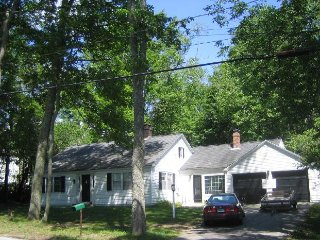 Estabrooke Cottage, in the Heart of the Village of Castine