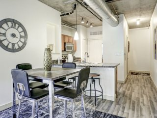 Unique Premier Loft on Market Street by Stay Alfred