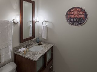 Stay Alfred Memphis Vacation Rental Bathroom
