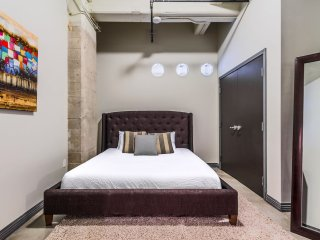 Amazing South Ervay Street Apartment by Stay Alfred