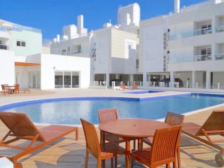 Apartamento Gales Ingleses, 3 dorm. (1 suíte), piscina, 2 garagens