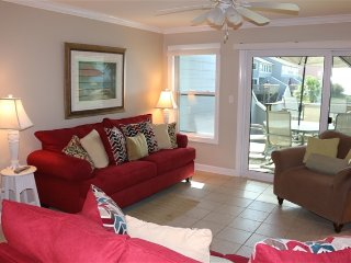 The Perfect Get-A-Way.  Comfortable and Clean.  Lots of Amenities. On the Bay