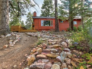 Warm and cozy cabin w/modern comforts and great location!