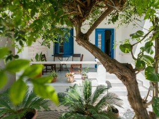 Grandma's Chic Home in Chania Venetian Harbor