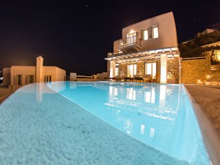 Carpe Diem Villa II with Private Infinity Pool