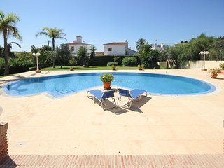 2003 - 4 bed villa, private pool and garden, Las Chapas, Marbella
