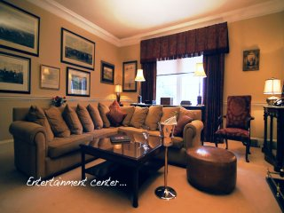 5 STAR 2BR-2BA APT RIGHT ABOVE WORLD FAMOUS THE SHANAHAN'S RESTAURANT