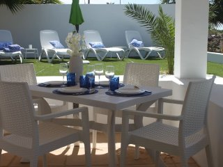 VILLA STA MONICA, POOL, SEA VIEWS, FREE WIFI, FREE PARKING
