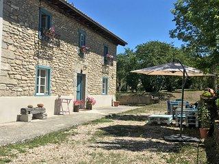 Casa Rural Baserri Ulle Gorri. Precioso caserío cerca del Salto del Nervión.