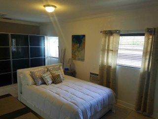 Full Private Cozy Studio/ with Private Entrance