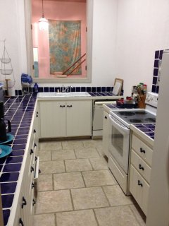 Fully equipped kitchen with all large and small appliances