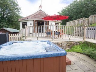 Streamways Nr Croyde | 6 Bedroom/ sleeps 14-16 | Hot Tub*