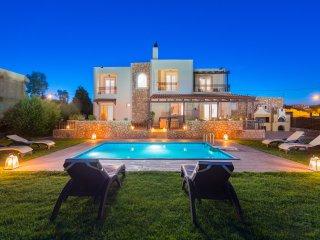 MarySol Luxury Villa