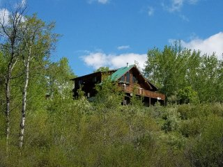 Secluded Cabin - sleeps 10
