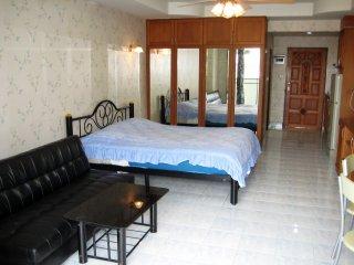 320 Quiet Comfort Studio Condo Garden View Large Pool South Pattaya Beach