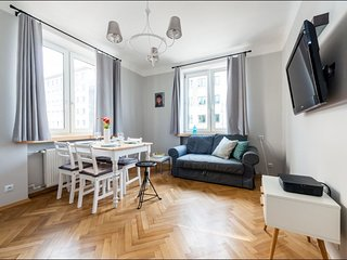 Plac Bankowy 3 apartment in Wola with WiFi & lift.