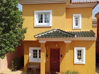Villa Feliz Beautiful 2 Bed Pool Garden Free WiFi Air-con UK TV Parking Security