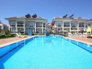 Legend Apartments - 3 Bedroom Holiday Apartment Rental in CalIs Beach