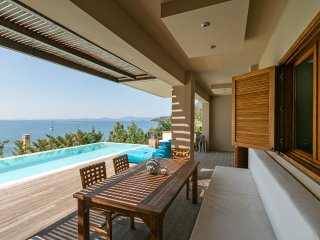 STUNNING LUXURY BEACHFRONT VILLA WITH AMAZING VIEWS OVER THE IONIAN SEA