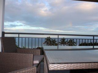 Maison F2 moderne Saint-Leu avec très belle vue mer