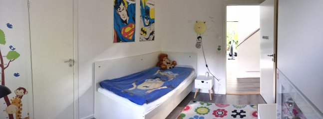 Kids room 2, with adult single bed.