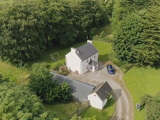Glenview Lodge Farm cottage in scenic area perfect for touring Ireland.
