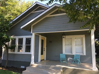 Midtown Bungalow near Historic Pearl