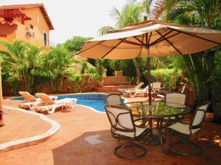 Super price!Private pool house close to the beach. Villa Rayos de Sol