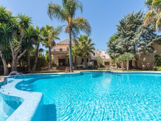 Gual Townhouse with private pool