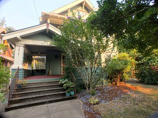 Gorgeous Craftsman in Upscale Historic Neighborhood Minutes from Everything