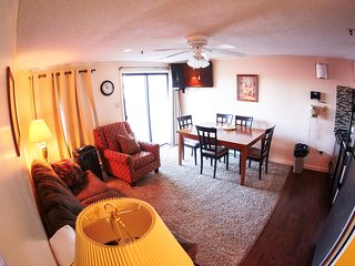 Spring Break Sp:Free Hot Tub&Pool, Renovated, Deluxe ML#241;2BR/2Bath*Ski in/Out