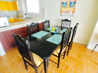 Beautiful 3 Bed 3 1/2 Bath Modern Fully Furnished Condo 2 Blocks from the beach!