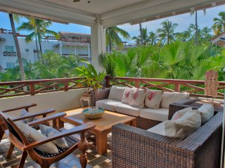 Wonderful Oceanfront Three Bedroom Villa (2222)