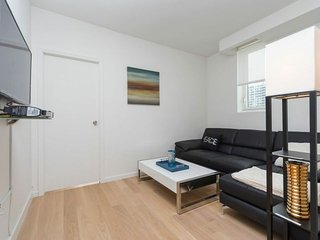 11B-CLINTON:MIDTOWN WEST 2BR WITH DOORMAN