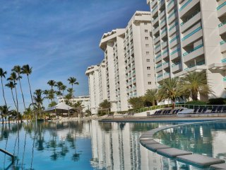 Marbella Spectacular Front Beach Apartment (818)