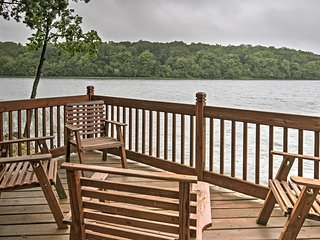 NEW! Lakefront 3BR Brandon Home w/Fire Pit & Dock!