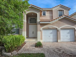 Spacious Two Story Miami Home Ideal for Families!