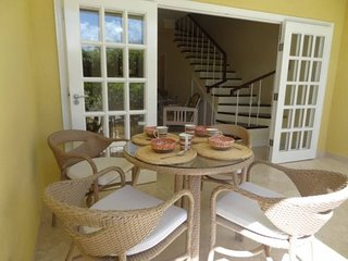 Town House, near Beach, 2 Bedrooms, Pool