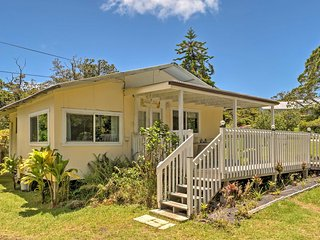 NEW! Charming 2BR Volcano Cottage in Rainforest!