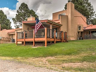NEW! 3BR Ruidoso Condo w/ Mtn Views from Deck!