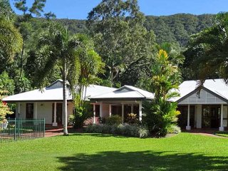 Shanee Prana a tropical paradise holiday home rental at Kewarra Beach, Cairns