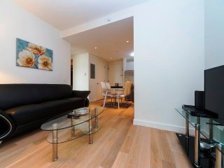 11L-MIDTOWN WEST 2BR-BALCONY-GYM-W&D