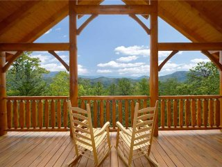 Luxurious 4BR Cabin w/ Views & Theater (Sleeps 12)