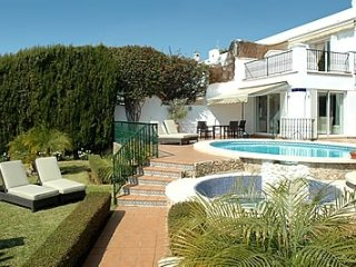 Nerja Villa Sleeps 8 with Pool and Air Con - 5080295