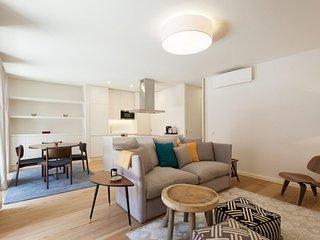 Spacious Amazing Bairro Alto apartment in Bairro Alto with WiFi, air conditionin