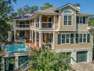 2 Quail- 5th row ocean. Beautiful home!